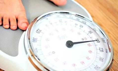 هفته ای یک بار خود را وزن کنید