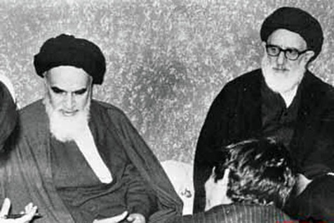 امام خمینی: مرحوم آقای طالقانی مستقیم فکر میکرد