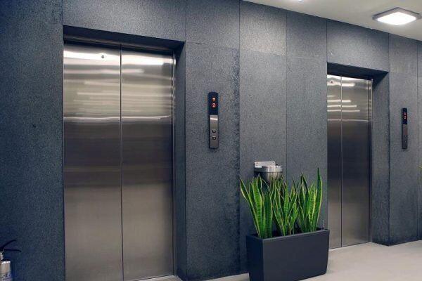 نزدیک به یکسوم آسانسورها در استان سمنان گواهی استاندارد بهروز ندارند
