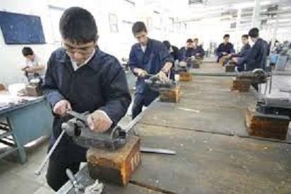 آموزش رایگان مهارت های فنی به دانش آموزان متوسطه باوی آغازشد