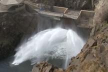 مرحله دوم رهاسازی آب از سد مهاباد دوباره از سر گرفته شد