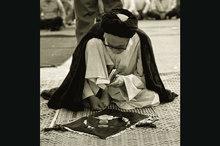 امام فرمودند، «من هر وقت به صورت آقای خاتمی نگاه می کردم به یاد خدا می افتادم»