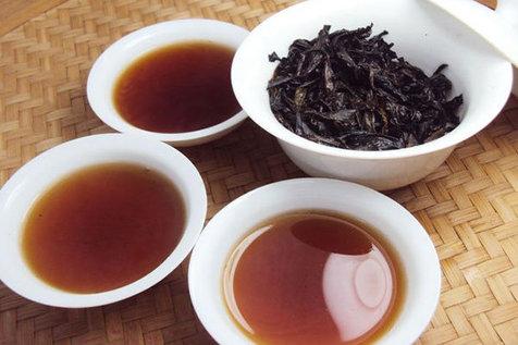 افزودن رنگ خوراکی به چای ممنوع است