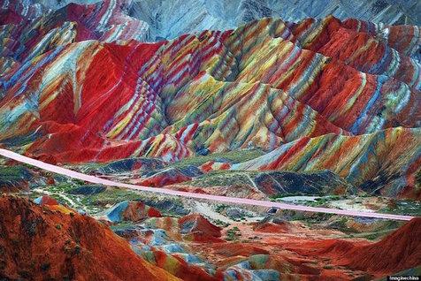 کوه های رنگین کمانی در چین + تصاویر