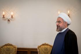 مخالفت روحانی با توقیف نشریات در دهه60