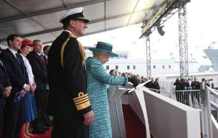 ناو هواپیما بر'ملکه الیزابت' نتوانست درپایگاه دریایی انگلیس در بحرین پهلو بگیرد