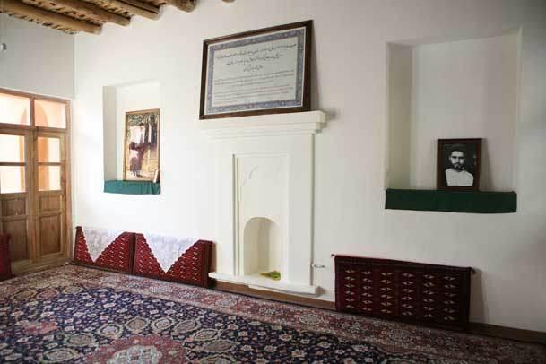 بازدید طلاب و فضلای حوزه علمیه قم از بیت حضرت امام خمینی(س) در خمین