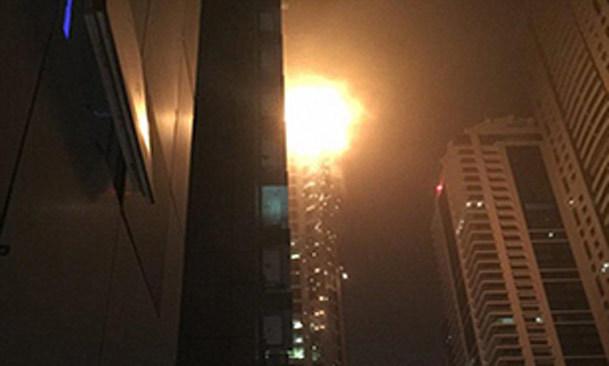 فیلم / آتش سوزی در برج 79 طبقه دبی