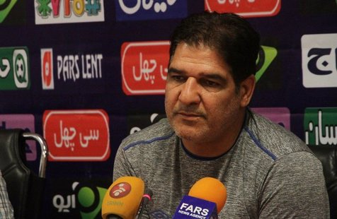 مهاجری: اولویت فوتبال ایران تیم ملی باشد