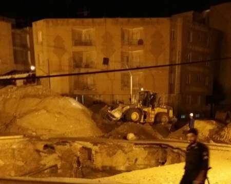 کارگر مفقودی پیدا نشد/ عملیات خاکریزی گودال ناشی از انفجار گاز در شهران آغاز شد