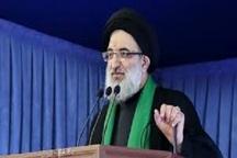 امام جمعه کرج: ترویج خرید کالای ایرانی باید اولویت برنامه فرهنگی کشور باشد