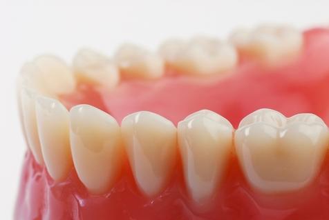 ساخت خمیردندانی برای رفع پوسیدگی های سطحی دندان