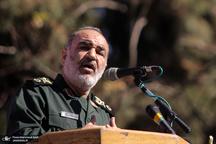 سردار سلامی: راه دشمن را کیلومترها دورتر از مرزهایمان سد میکنیم