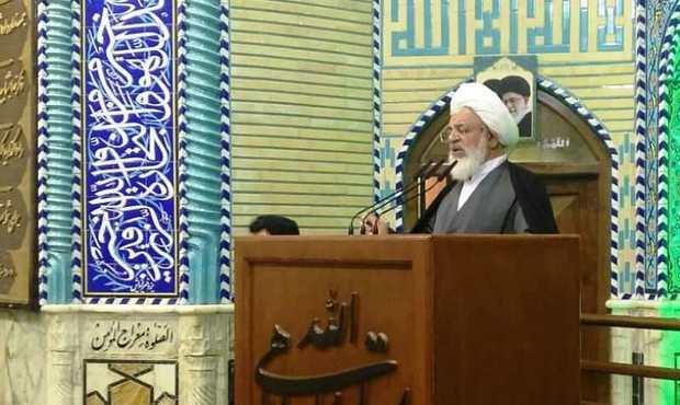 امام جمعه یزد: مردم و مسئولان تسلیم جنگ روانی دشمن نمی شوند
