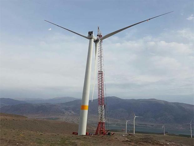 18 توربین بادی در سیاهپوش قزوین نصب شد