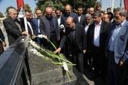 گلزار شهدای شهر قزوین گلباران شد