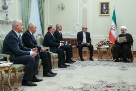 روحانی: همسایگان برای ایران اولویت دارند