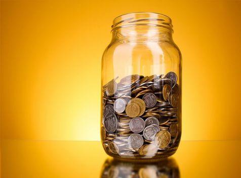 آمریکایی ها چقدر از درآمدشان را پس انداز می کنند؟