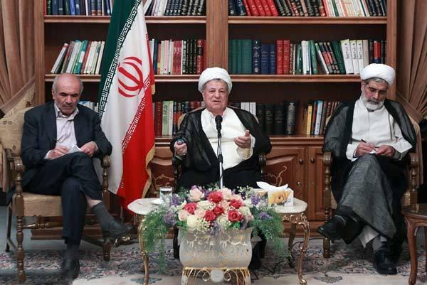 باید با اتحاد و همدلی دلسوزان انقلاب و نظام اسلامی، مشارکت ملی را افزایش داد