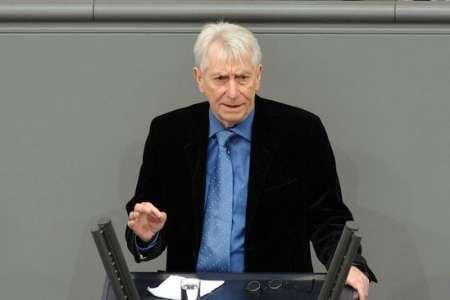 نماینده مجلس آلمان خواستار عادی سازی روابط اروپا با دولت بشار اسد در سوریه شد