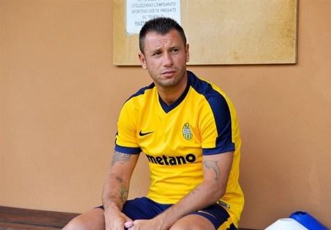 ستاره سابق فوتبال ایتالیا از دنیای فوتبال خداحافظی کرد