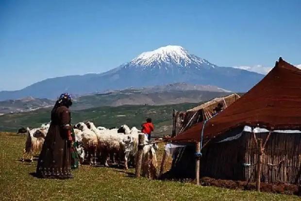 37 مرکز گردشگری عشایر در آذربایجان غربی شناسایی شد