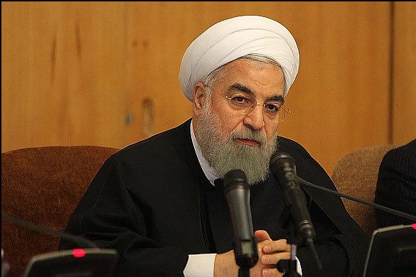 روحانی:  آزادی مردم با آیین نامه و سلیقه افراد و برخی دستگاهها نمی تواند محدود شود