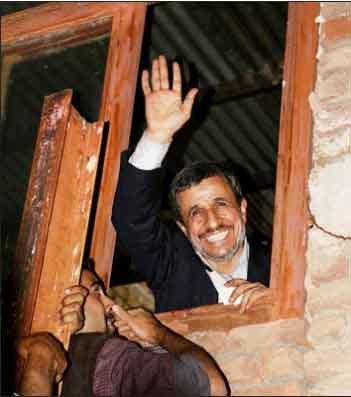 پشت پرده برنامه های  انتخاباتی احمدی نژاد