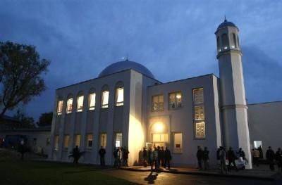 گشوده شدن درهای مساجد آلمان به روی پناهجویان