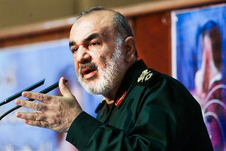 سردار سلامی:  پاسخ تروریست های حادثه حله در میدان های جنگ به خوبی داده خواهد شد
