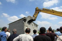 تخریب 3000 متر دیوارکشی غیرمجاز در زمین های کشاورزی بابلسر