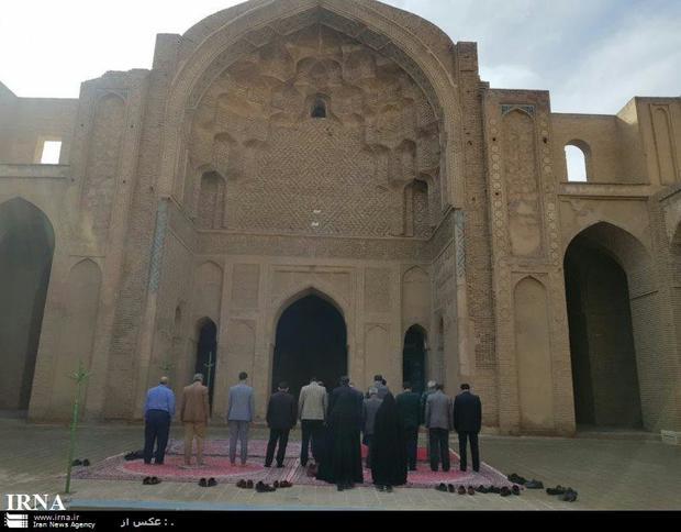 گلبانگ اذان از مسجد جامع تاریخی ورامین به صدا درآمد