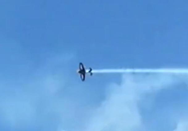 فیلم/ کشته شدن خلبان در نمایش هوایی