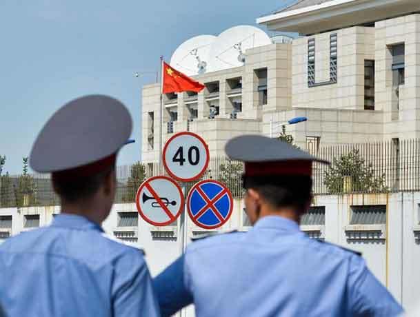 گزارش تصویری از حمله به سفارت چین در قرقیزستان