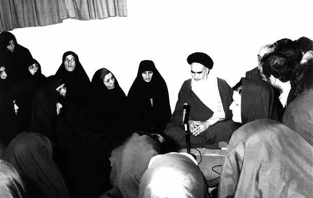 حجت الاسلام مستوفی: امام حتی در سال 41 نیز حقوق خاصی برای بانوان قائل بودند