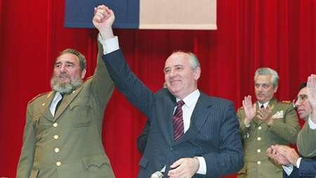 گورباچف: فیدل کاسترو الگوی استقامت و پایداری بود