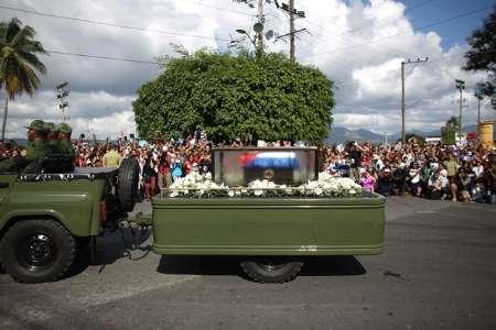 خاکستر فیدل کاسترو وارد شهر سانتیاگو شد