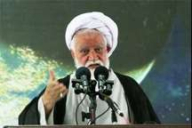 امام جمعه بندرعباس: حضور مردم کشور را از خطر دشمنان ایمن می کند
