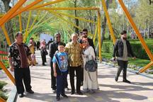 سفیر اندونزی از جشنواره لاله های کرج دیدن کرد