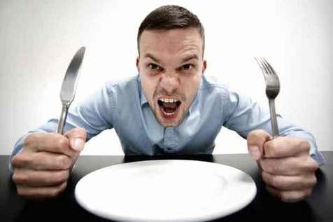 کاهش ۳۰ درصدی خطر چاقی با آرام غذا خوردن