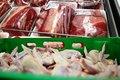 توزیع مرغ و گوشت با نرخ دولتی در بازار بروجرد آغاز شد