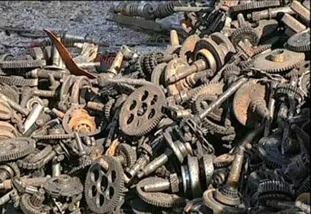 فیلم /  چین؛ خلق آثار هنری با قراضه های فلزی