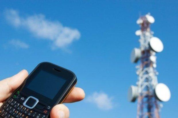 امواج آنتن های تلفن همراه مضر نیست