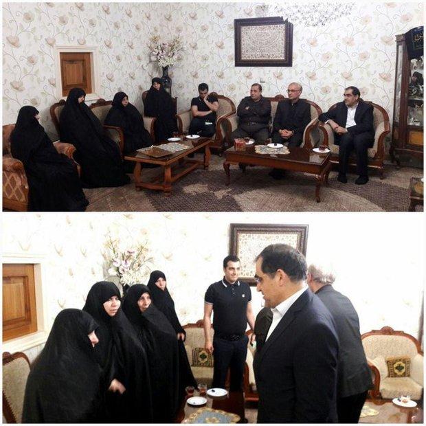 حضور وزیر بهداشت در منزل مرحوم «حاج سیدرضا نیری»