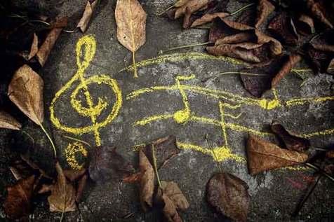پاییزتان را با شنیدن این آهنگ ها زیبا کنید