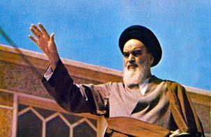 امام خمینی با رهبری انقلاب ایران جهان اسلام را بیدار کرد