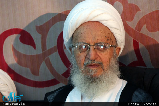 آیت الله مکارم شیرازی: برنامههای مساجد نباید رنگ و بوی فرهنگ غربی داشته باشد