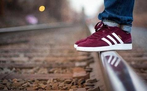 کفشهایتان تنگ و بدقلق است؟ این مطلب را بخوانید