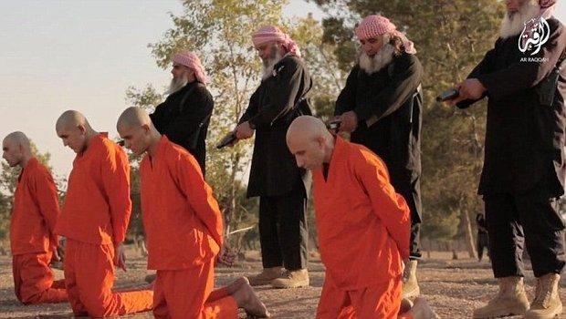 رونمایی داعش از جلادان ریش سفید +عکس