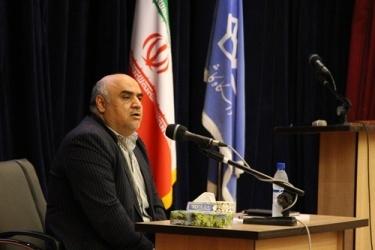 بیش از یک سوم صادرات استان اصفهان از گمرک کاشان انجام می شود